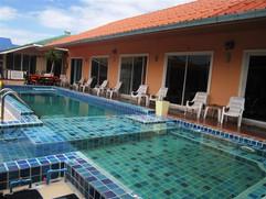 50 Unit Resort Jomtien (5).JPG