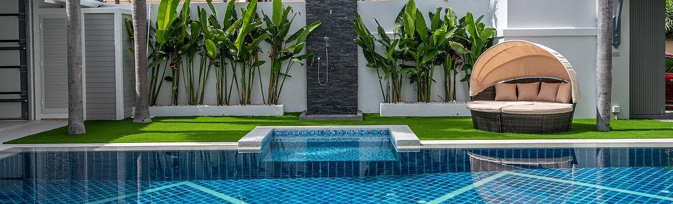 Jomtien 4 Bedroom Luxurious Pool Villa in Village (15).jpg