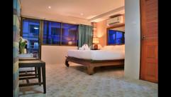 13 Rooms Jomtien (10).jpg