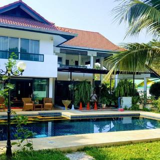 North Pattaya 6 Bedroom Mansion (57).jpg