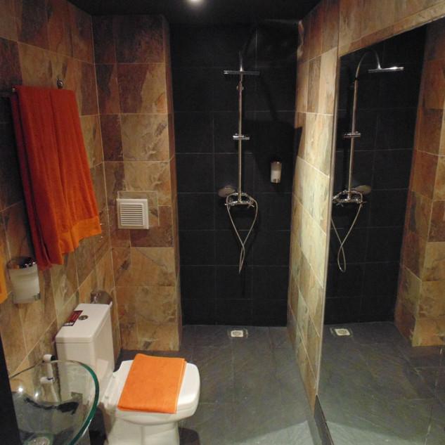 12 Room hotel (9).jpg
