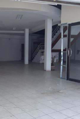 Large building for rent (2) - Copy.JPG