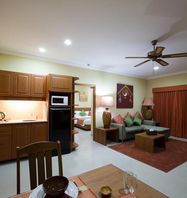 42 Room Resort Style Hotel (17).jpg