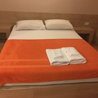 Pattaya City Modern 16 Room HotelRestaurant (14).jpg