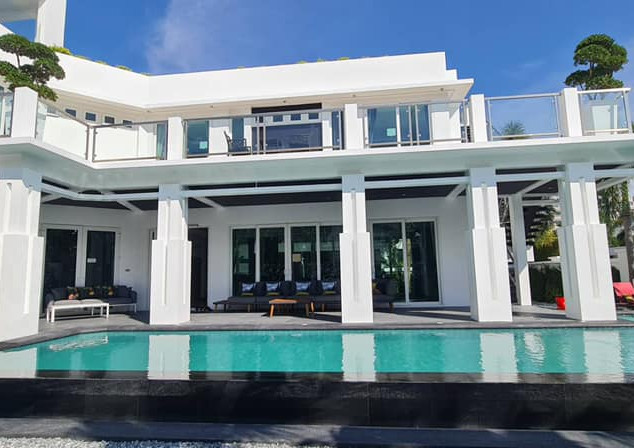 Jomtien Luxurious 5 Bedroom Villa (13).j