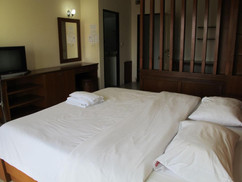 68 Room hotel for rent (21).jpg