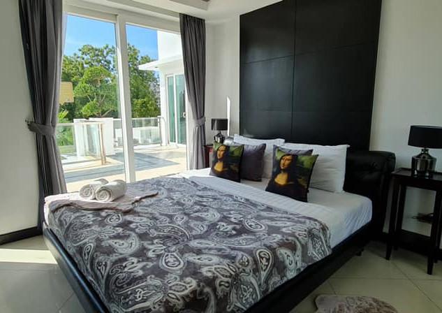 Jomtien Luxurious 5 Bedroom Villa (19).j