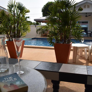 10 Room Pool Villa Na Jomtien (27).jpg