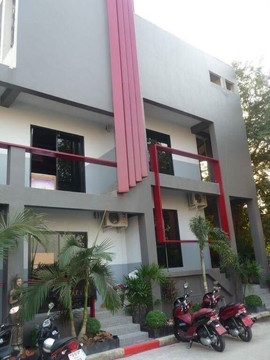 High End 20 Room Residential Building (4