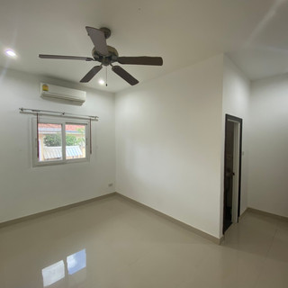 Private Pool House East Pattaya (9).jpg