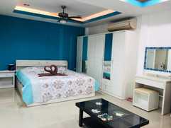 Jomtien 3 Bedroom Pool Villa (6).jpg