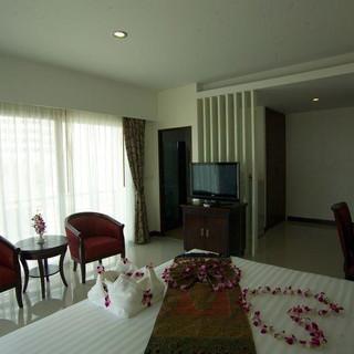 66 Rooms Beachfront Hotel (19).jpg