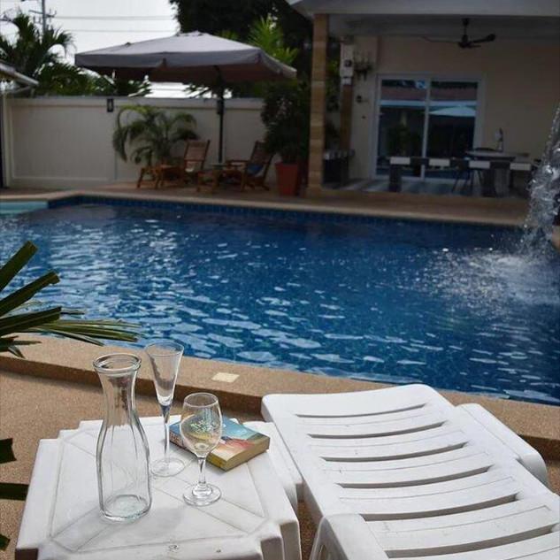 10 Room Pool Villa Na Jomtien (12).jpg