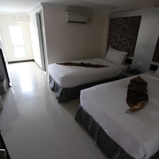 Luxurious Hotel Building for Sale   (13)