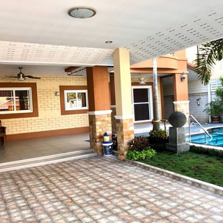 Center Pattaya 5 Bedroom Pool Villa (4).