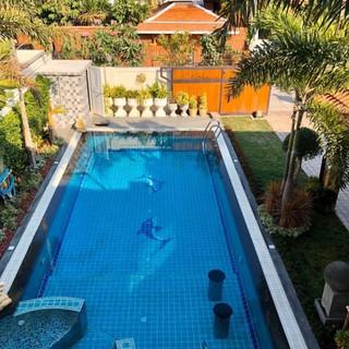 Center Pattaya 5 Bedroom Pool Villa (2).