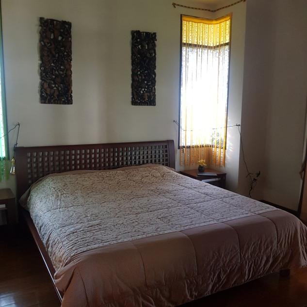 Jomtien 5 Bedrooms Pool Villa Sale  (12)