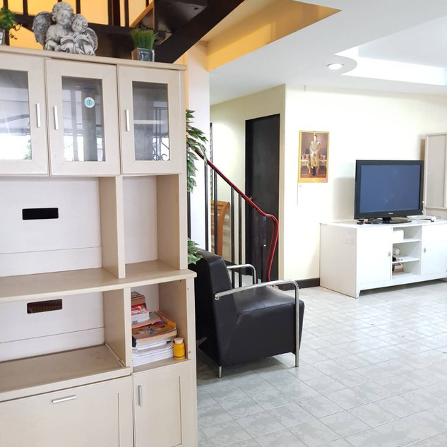 4 Bedroom House Center Pattaya (17).jpg