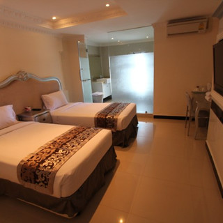 Luxurious Hotel Building for Sale   (16)