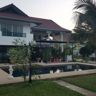 North Pattaya 6 Bedroom Mansion (85).jpg