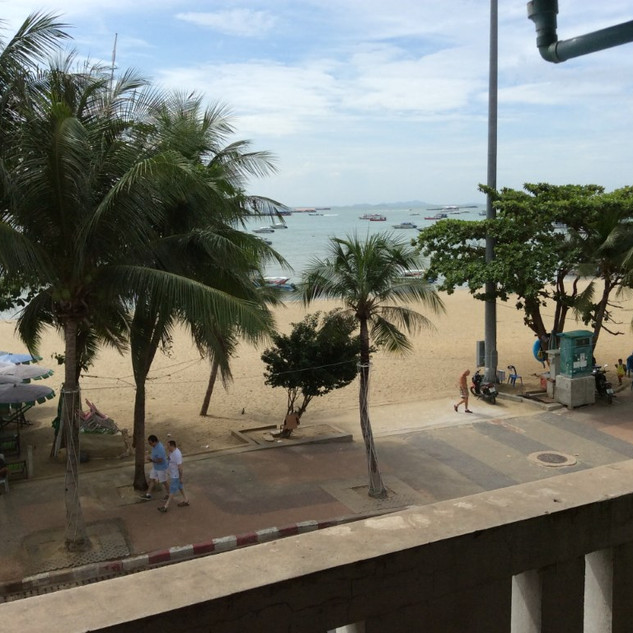 Floor 4 large fully furnished apartment