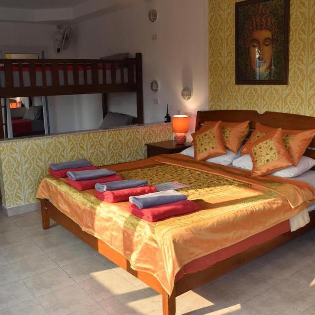 10 Room Pool Villa Na Jomtien (17).jpg