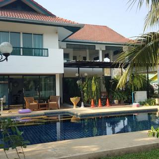 North Pattaya 6 Bedroom Mansion (48).jpg