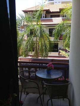 8 Rooms Guesthouse (8).jpg