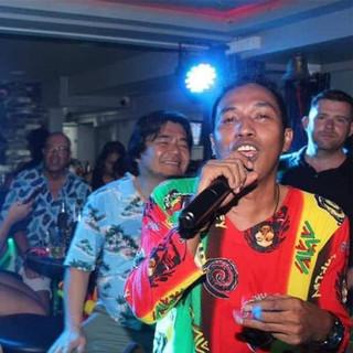 Off Pattaya Beach Road Music Bar + 10 Ro