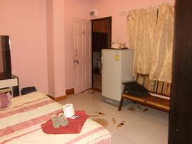 Pattaya Center 14 Rooms Guesthouse (8).J