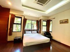 12m THB 3 Bedroom Villa North Pattaya (9).jpg