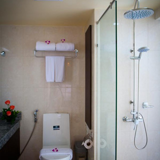136 Room Hotel for Sale (25).jpg
