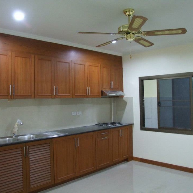 North Pattaya Townhome Sale  (1).jpg