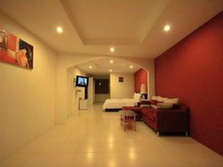 Hotel for sale Pratumnak (4).jpg