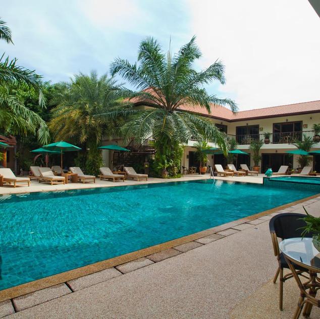 42 Room Resort Style Hotel (23).jpg