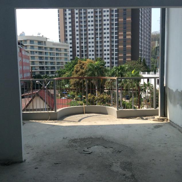 21 Rooms Under Construction (11).jpg
