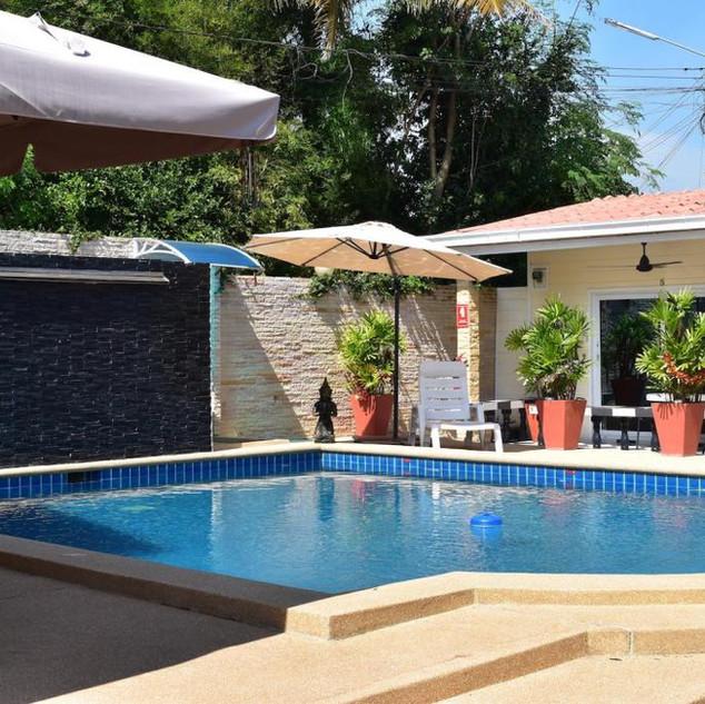 10 Room Pool Villa Na Jomtien (28).jpg