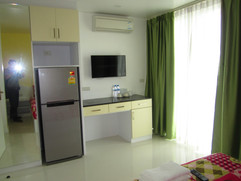 Jomtien 12 to 17 Rooms (33).JPG