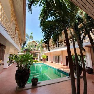 19 Room Resort (11).jpg