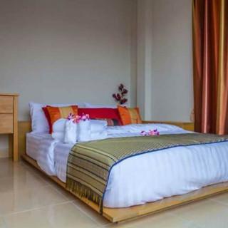 5 Bedroom  Guesthouse (9).jpg