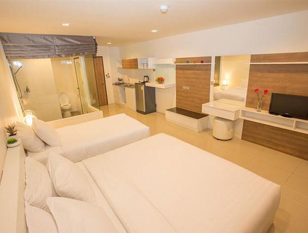 79 Room Luxe Hotel (7).jpg