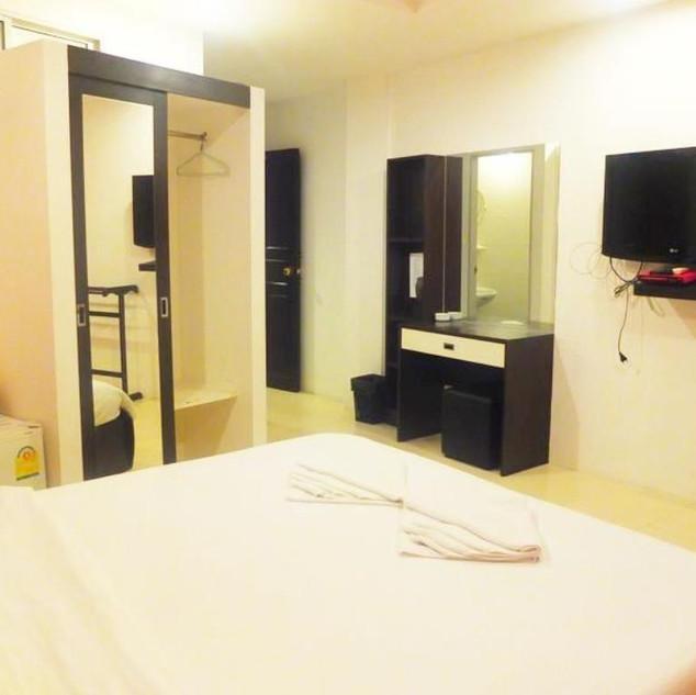 Hotel for sale Pratumnak (21).jpg