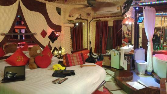 Hotel for  Sale Pattaya (1).jpg