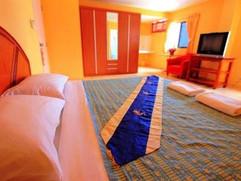 23 Rooms 2 shops rental (35).jpg