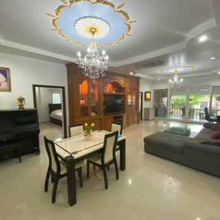 Private Pool House East Pattaya (1).jpg