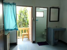 Bhua Kao 10 Rooms Guesthouse Bar  (25).j