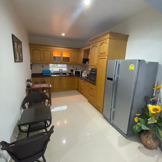 Private Pool House East Pattaya (4).jpg