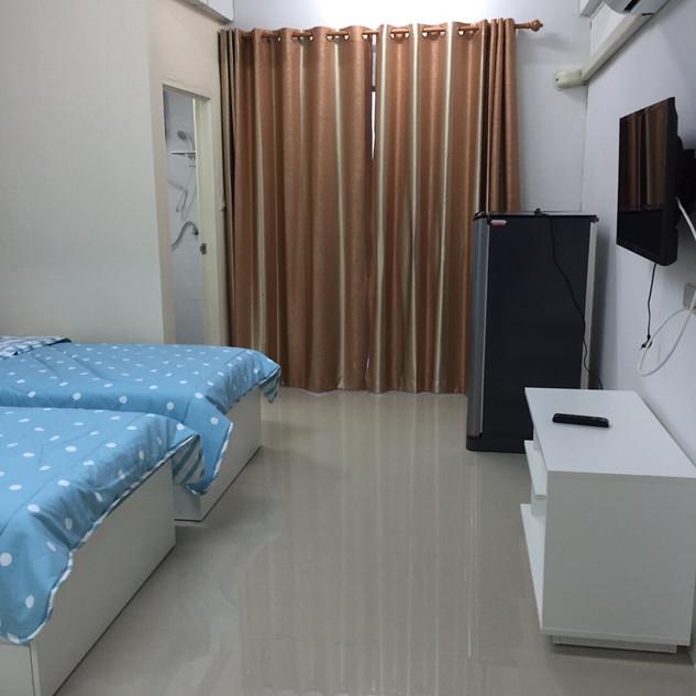 18 Rooms (7).jpg