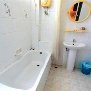 23 Rooms 2 shops rental (28).jpg