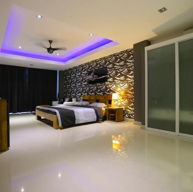 High End Resort Sale (9).jpg